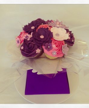 Cupcakes Bouquet, pink and purple.