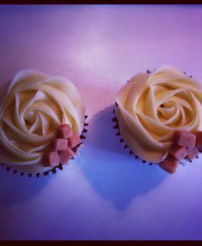Cream Fudge Cupcakes