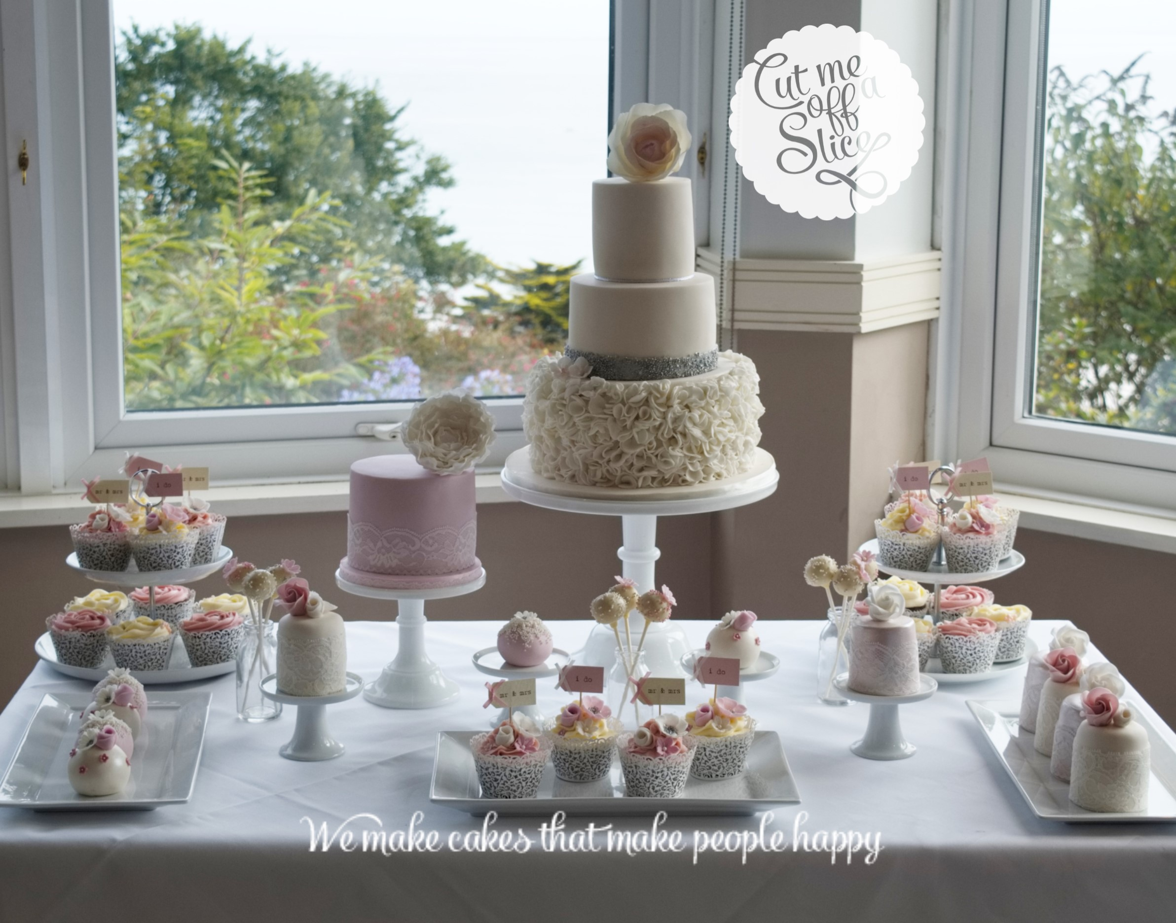Cake Tables Wedding Cakes Cut Me Off A Slice The Cake Makers - Sphere Wedding Cake